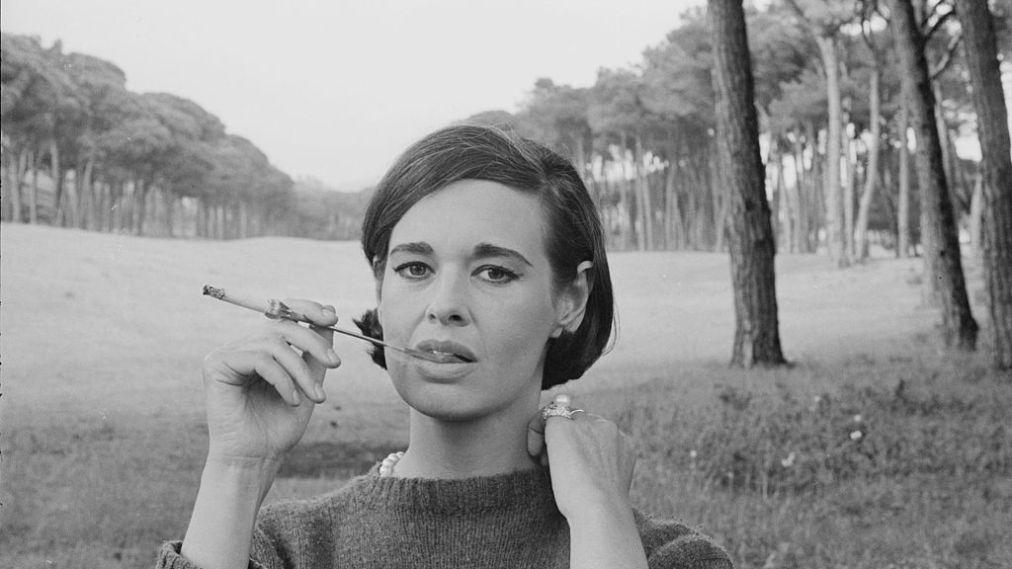 fashion-icon-and-heiress-gloria-vanderbilt-dies-at-95